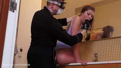 fat donk babe Leah Winters gets a harsh rump to facehole and choking session by the wc